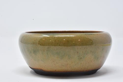 glossy pot